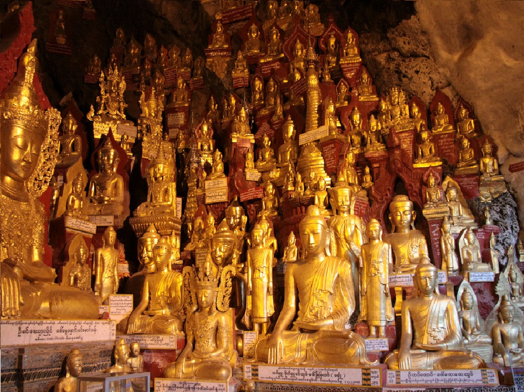 Cave of thousands of Buddha
