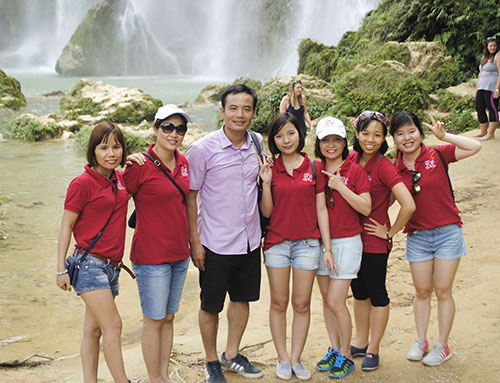 Asia Top Travel team visited Ban Gioc Waterfall