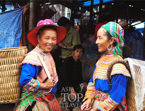 2 minority girls in Sapa