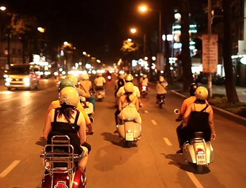Saigon Nightlife & Food Taste by Scooter